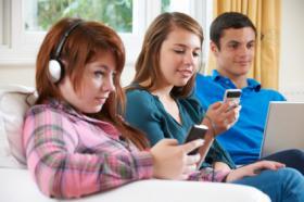 mal uso de la tecnologia en jovenes